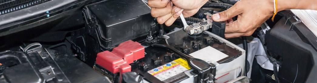 4965204f1ff Autobatterie wechseln » Zeitpunkt • Infos • Kosten   KFZTEILE24
